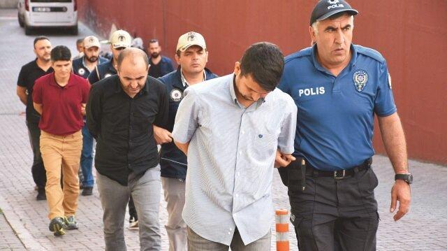 Yeniden örgütlenmek için toplantı yaptıkları iddiasıyla gözaltına alınan 12 kişi adliyeye gönderildi.