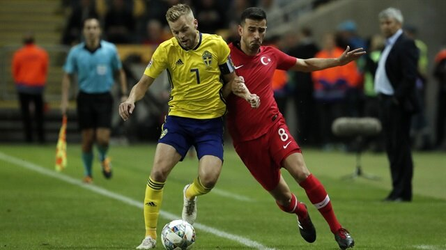 Oğuzhan Özyakup, İsveç karşısında 90 dakika sahada kaldı.