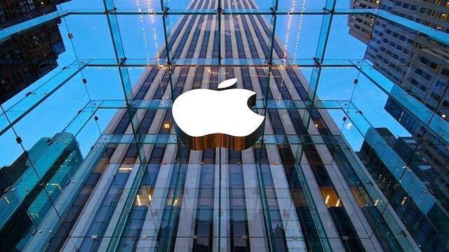 Apple, dünyanın ilk 1 trilyon dolar şirket değerine ulaşan firması oldu.