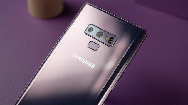 Samsung Galaxy Note 9'un çift arka kamerası ortam ışığına göre değişen akıllı diyafram sistemine sahip.