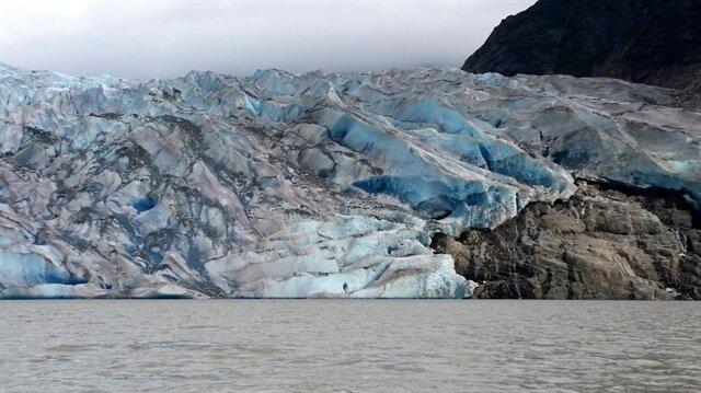 En belirgin buzul erimesi Alaska'da gerçekleşmektedir.
