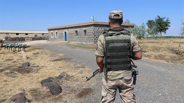 Olay yerine gelen jandarma ekipleri herhangi bir yeni çatışma yaşanmaması için tedbir aldı.
