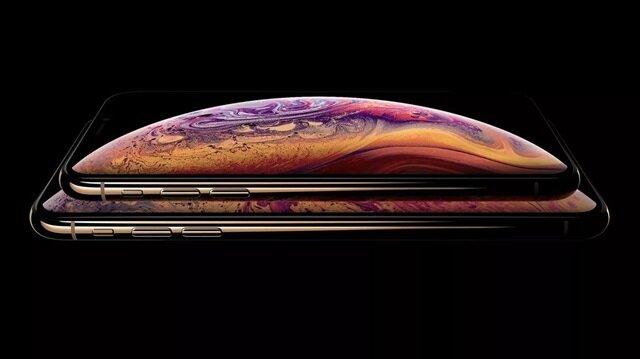 Apple tanıtım etkinliğinden önce sızdırılan iPhone XS ve iPhone XS Max'ın fotoğrafı.