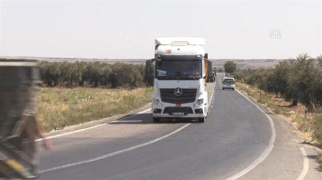 Turkey deploys more military vehicles to Syrian border