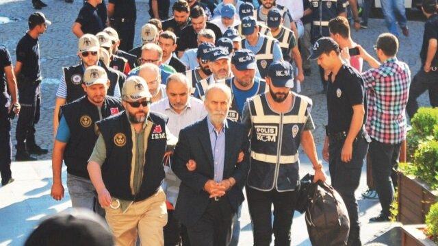 Bursa'daki davada eski Vali Şahabettin Harput'un da aralarında bulunduğu 11'i tutuklu 60 sanık yargılanıyor.