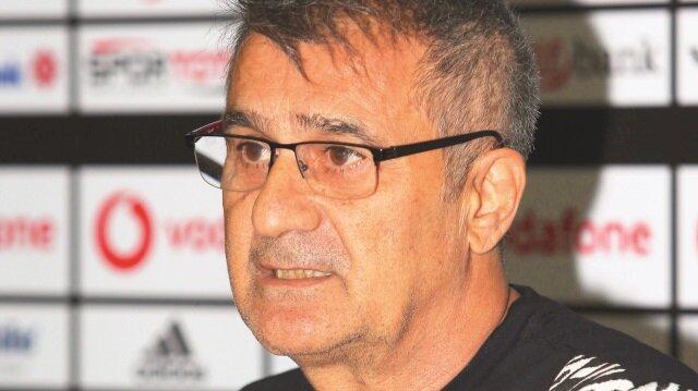 Beşiktaş Teknik Direktörü Şenol Güneş