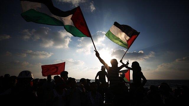 Arşiv: İsrail işgal güçleri, Filistinlilere gerçek mermilerle saldırıyor.