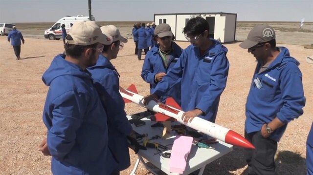 Öğrencilerin tasarladıkları roketler yarıştı