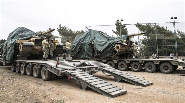 الجيش التركي يعزز قواته على الحدود مع سوريا