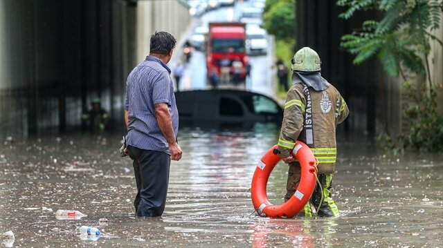 Meteoroloji, vatandaşlara köprü, menfez, altgeçit gibi yapılarda dikkatli olması için uyarıda bulundu