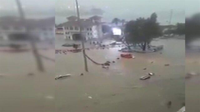 Bandırma'da sokaklar göle döndü