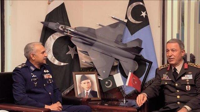 قائد القوات الجوية الباكستاني يشيد بالشراكة الدفاعية مع تركيا