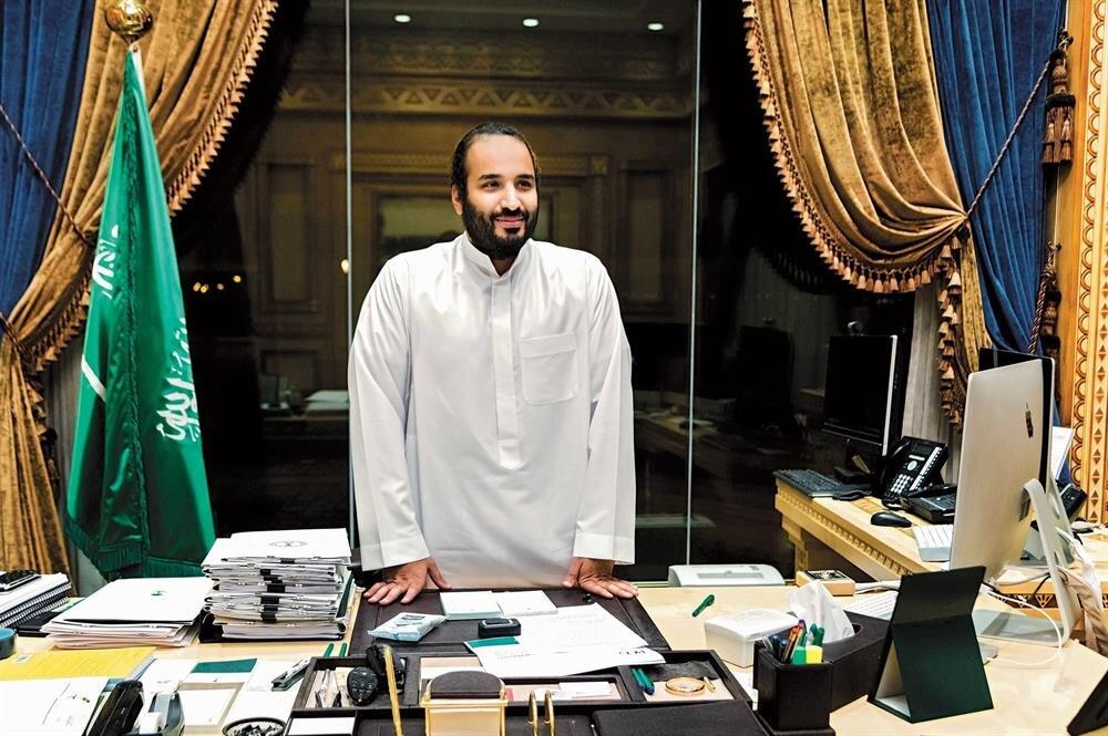 Muhammed bin Selman, ofisinde bir röportaj sırasında...