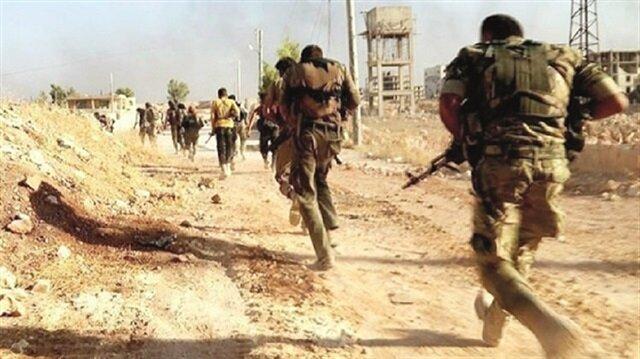 قوات الأسد تهرب أمام حشود القوات التركية
