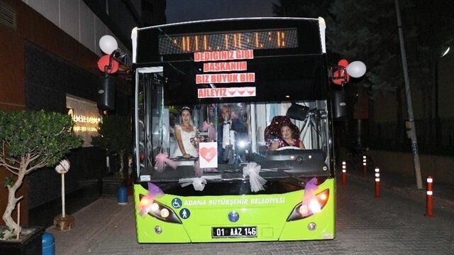 Halk otobüsü şoför çiftin gelin arabası oldu
