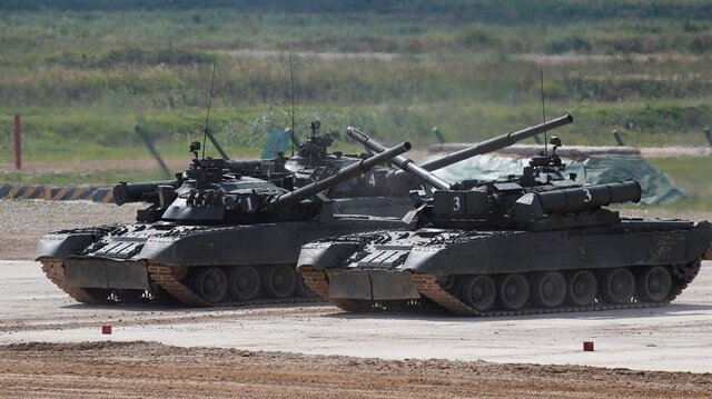 Russian T-80 U tanks