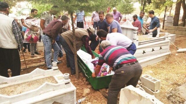 Cenazelerin karışması nedeniyle, defnedilen cenaze mezardan çıkartıldı
