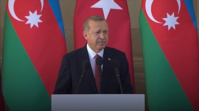 Erdoğan Bakü'nün kurtuluş yıl dönümünde şiir okudu