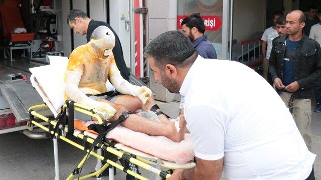 Patlamanın ardından yaralanan işçiler ambulanslarla hastanelere sevk edildi.
