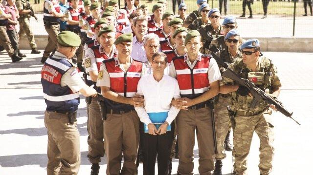 FETÖ'nün 15 Temmuz'da komuta merkezi olarak kullandığı belirlenen Akıncı Hava Üssü'ndeki eylemlere ilişkin 486 sanık yargılanıyor.