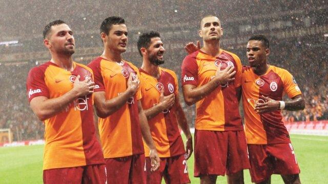 Galatasaray, sezonun flaş ekibi Kasımpaşa'yı ikinci yarıda attığı gollerle yıktı,