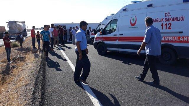 Minibüsün devrilmesi sonucu 17 kişi yaralandı.