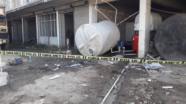 Su tankının içinde bayılan genç hastaneye kaldırıldı