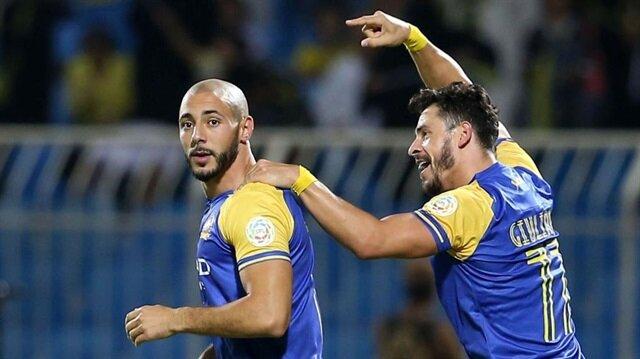 Giulaino gol sevincinde Amrabat'ı unutmadı.