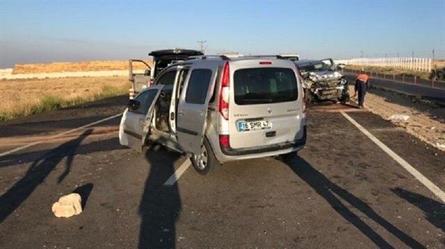 Kazada yaralanan 3 kişi kaldırıldıkları hastanede yaşamını yitirdi.