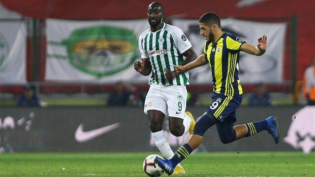 Yassine Benzia, Konyaspor maçına ilk 11'de başladı ve Süper Lig'de ilk kez forma giydi