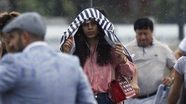 Meteorolojiden bazı illere sağanak ve kuvvetli yağış uyarısı yapıldı.