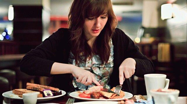Kilo kontrolünüzü sağlamak ve sağlıklı kalabilmek için günde 3 öğünden fazla yemeyin.