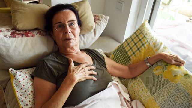 75 yaşındaki Fatma Girik, evinde düşerek leğen kemiğini çatlattı.