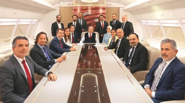 Cumhurbaşkanı Recep Tayyip Erdoğan, Azerbaycan dönüşü uçakta gezisini takip eden basın mensuplarının sorularını cevapladı.