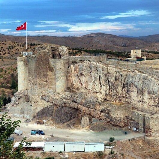 العثور على مذبح قرابين عمره 2700 عاما شرقي تركيا