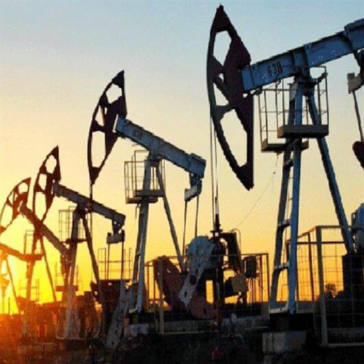 أسعار النفط تتراجع بفعل رسوم تجارية أمريكية على الصين