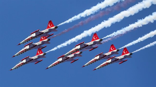 Turkish Stars perform over Istanbul's Bosphorus