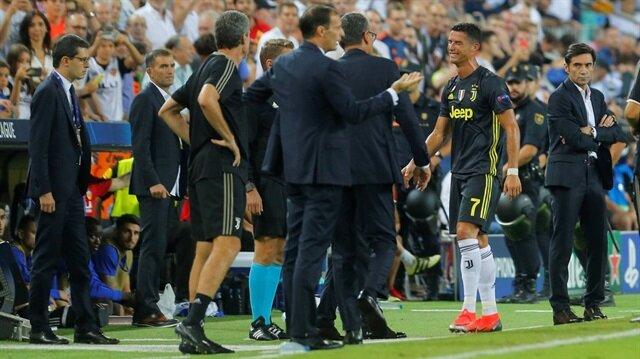 Cristiano Ronaldo kırmızı kart gördü ağlayarak sahayı terk etti