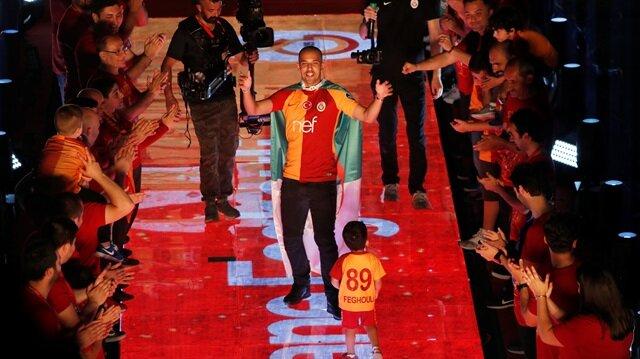 Galatasaray'da Feghouli bilmecesi: Gitmesi isteniyor