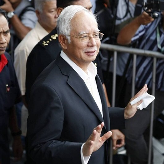 الشرطة الماليزية توجّه 21 تهمة غسيل أموال لرئيس الوزراء السابق