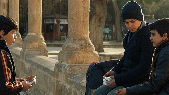 """""""لا تتركني"""".. فيلم يروي قصصا مؤثرة لأيتام سوريين احتضنتهم تركيا"""