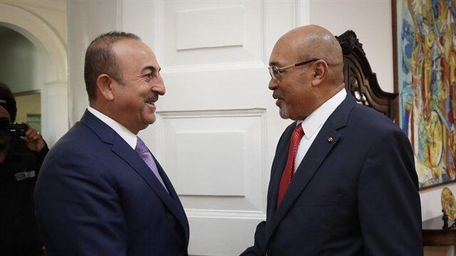 رئيس سورينام يبحث مع جاويش أوغلو تطوير العلاقات