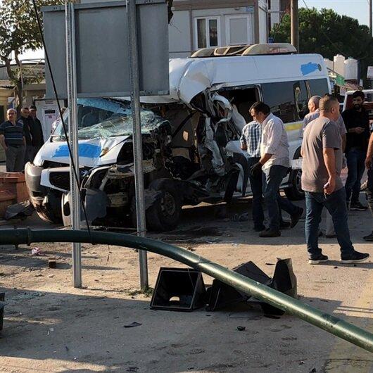 Bursa Haberleri: Bursa'da servis minibüsü ile kamyonet çarpıştı: 7 yaralı