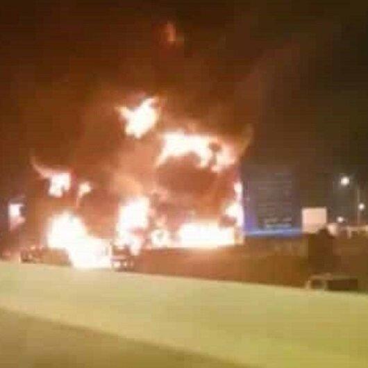 شاهد: عملية تفريغ تنتهي بحريق ضخم في محطة وقود بالشرقية