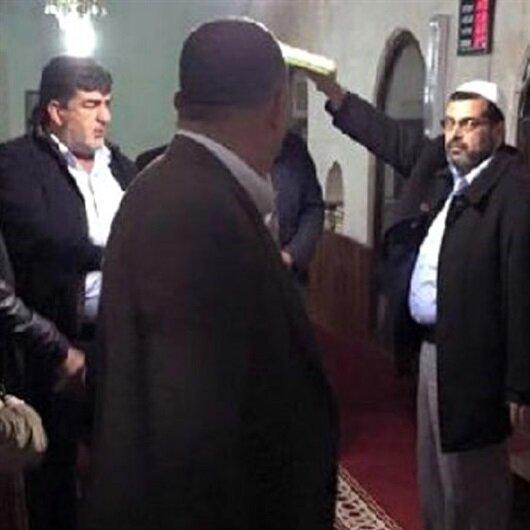 'İzinliyken camiye neden geldin' diyerek imama saldırdı