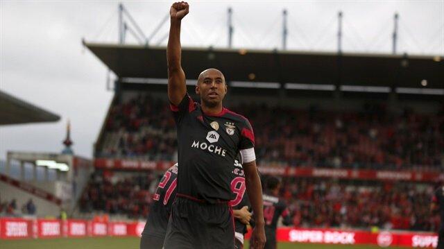 Benfica'nın emektar futbolcusu Luisao'dan zorunlu emeklilik kararı
