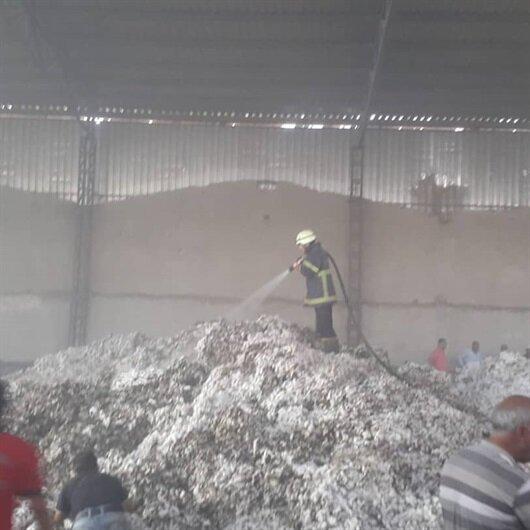Tekstil fabrikasını 'sigara izmariti' yaktı