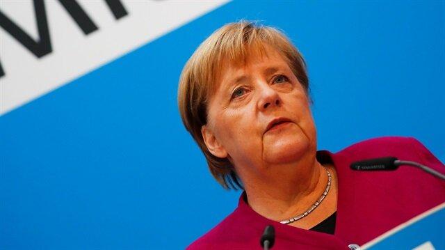'Merkel topal ördek oldu'