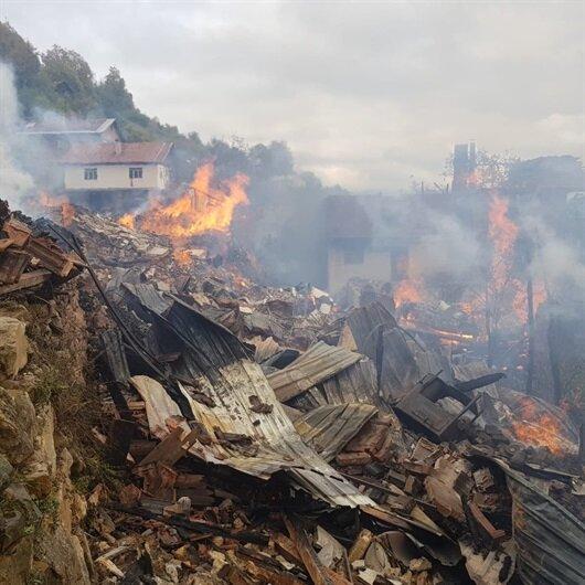 Kastamonu'daki yangın evleri yuttu