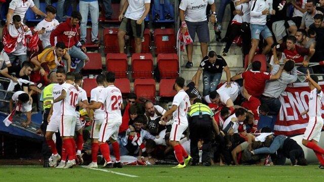 Sevilla'nın golü sonrası bariyer çöktü: 8 yaralı
